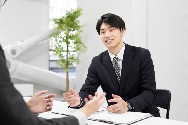金融機関担当者への説明イメージ画像